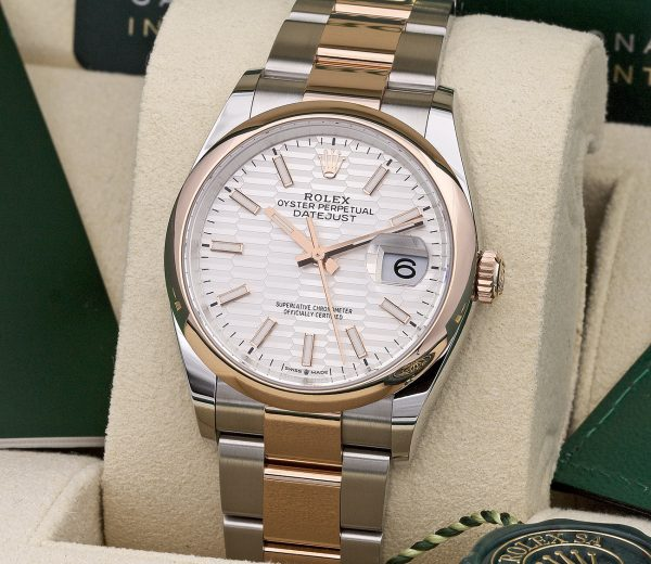 ROLEX DATEJUST 36 126201 SILVER DIAL